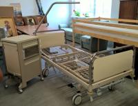Kranken-/Pflegebett
