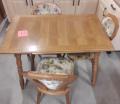 Tisch + 3 Stühle